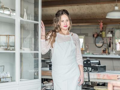 Bedrijfsfotografie-reportage-atelier-van-rosa-sieradenontwerpster-portret